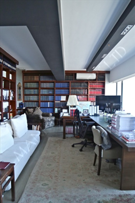 Elegantly Designed Office w/ Panoramic Sea View   - Sheung Wan