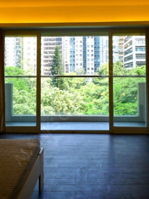 Spacey Studio with Balcony in Sheung Wan   - Sheung Wan
