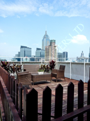 Bright 2 Bedroom with Private Roof in Wan Chai   - Wan Chai